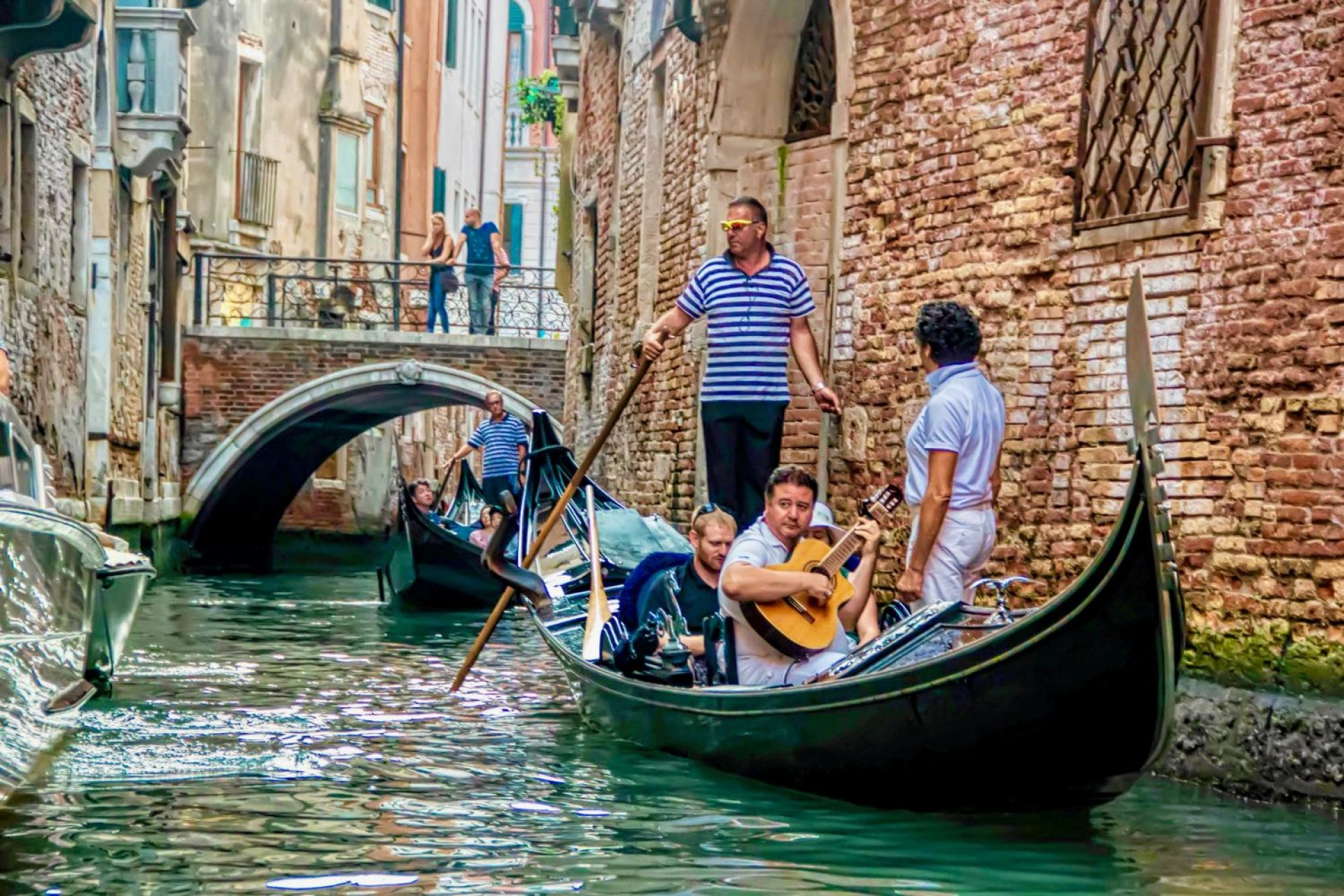 Shared Gondola Ride with Serenade in Venice